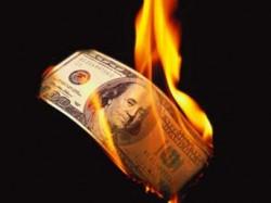 dolar neden duser yukselir